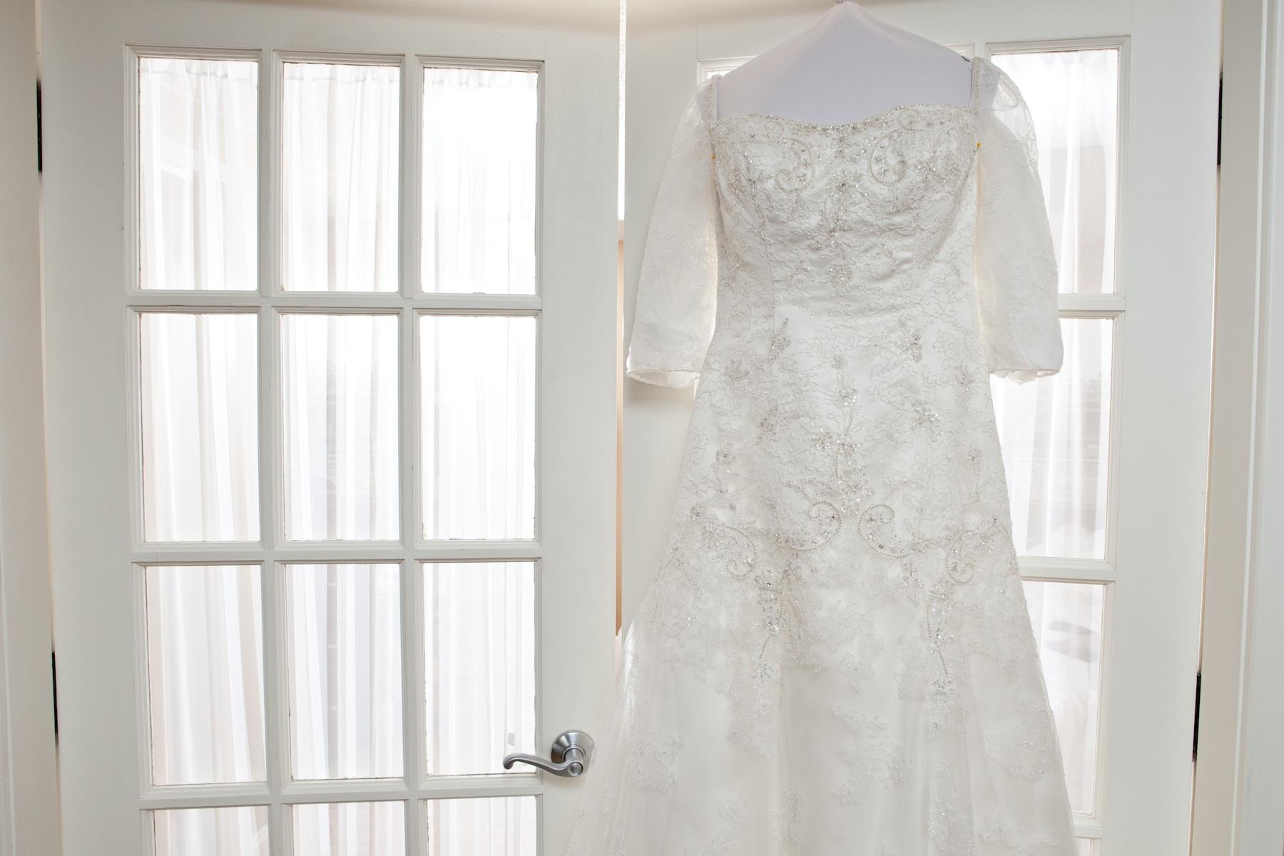 Wedding dresses in bergen county nj discount wedding dresses for Alexander s mural paramus